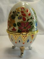 3 legged egg trinket box